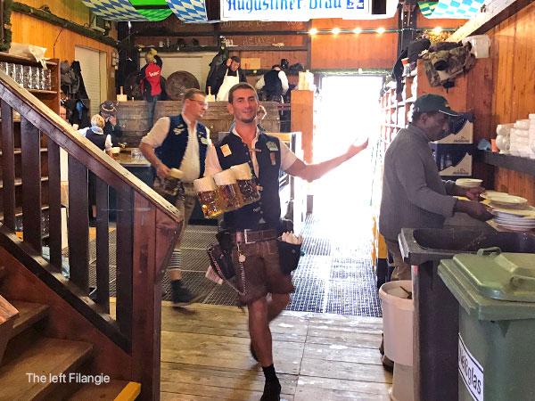 Mr Filangie jarras de cerveza