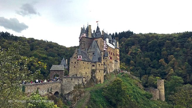 Castillo Eltz vista de lejos