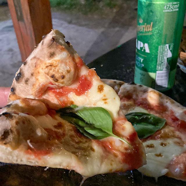 Pizza Margherita de La Audaz en Chapadmalal